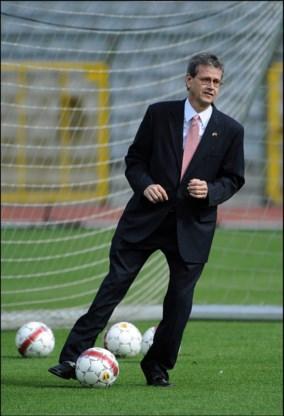 Amerikaanse ambassadeur Gutman te gast bij training Rode Duivels