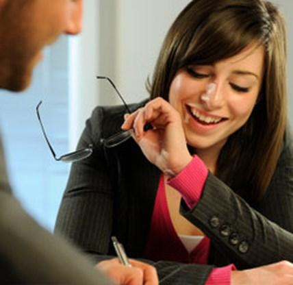 Vrouwen onderhandelen beter voor iemand anders dan voor zichzelf