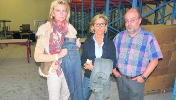 Annick Van Leirberghe, Conny Buyck en Johan Delrue in hun lege stockeerruimte. 'Dit was niet het werk van amateurs', klinkt het overtuigd. wbk