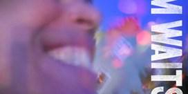 Tom Waits gooit nieuwe plaat op het net