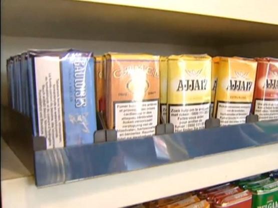 Klacht tegen Aldi wegens verkoop van tabak onder prijs takszegels