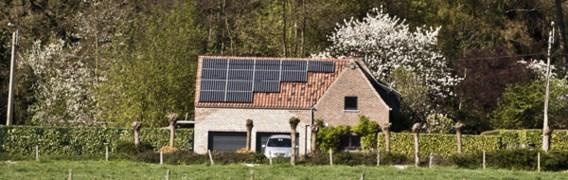 Sector zonnepanelen wil verlaging belastingvoordeel