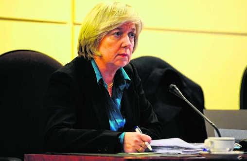 Francine Swiggers, de CEO van Arco, heeft een akkoord gesloten met Dexia. Volgens haar is het daardoor nog niet tot een brutale uitverkoop gekomen.blg