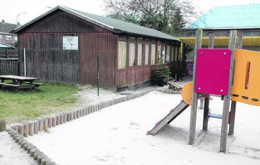 De houten chalet van de kinderopvang, waar de aanranding plaatsvond, zal afgebroken worden. fvv