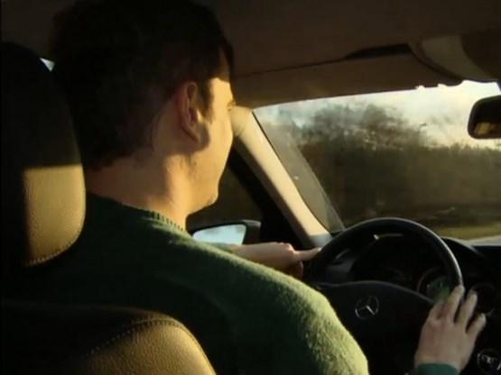 Ongeveer 400 boetes per dag voor bellen achter stuur