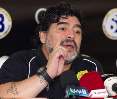 Maradona: 'Pelé, keer terug naar museum en neem juiste pil'