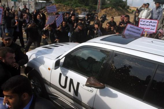 Palestijnen gooien schoen naar VN-chef