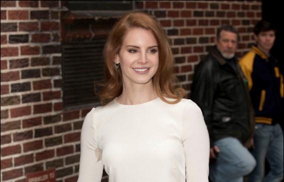 Lana Del Rey: 'Ik woon op de zetel van mijn ex-vriendje'