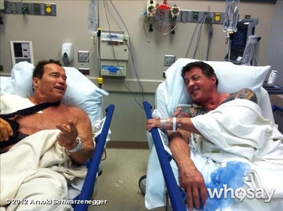 Terminator naast Rambo in het ziekenhuis
