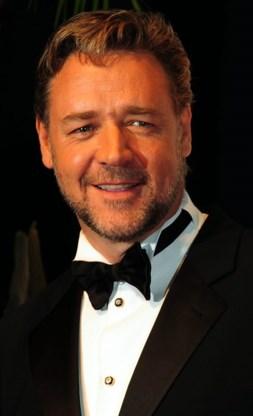 Russell Crowe wil rol in Draculafilm