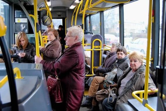 TreinTramBus klaagt besparingen De Lijn aan