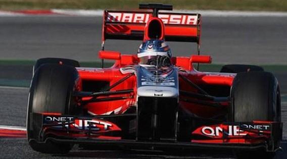 F1-bolide Marussia eindelijk op de baan