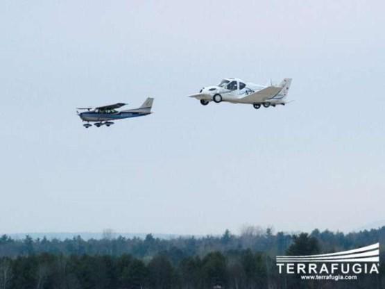 Vliegende auto op New Yorkse autoshow