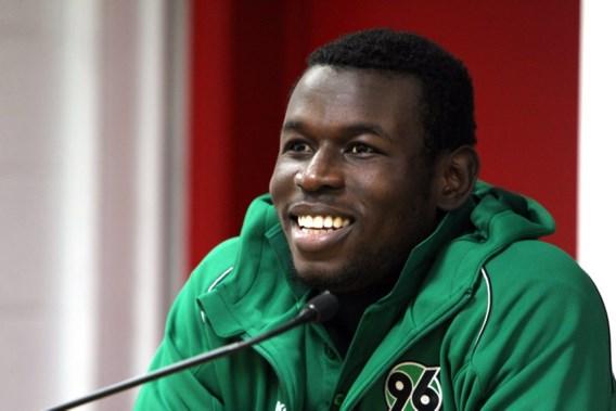 Hannover 96 mist topschutter Diouf tegen Standard