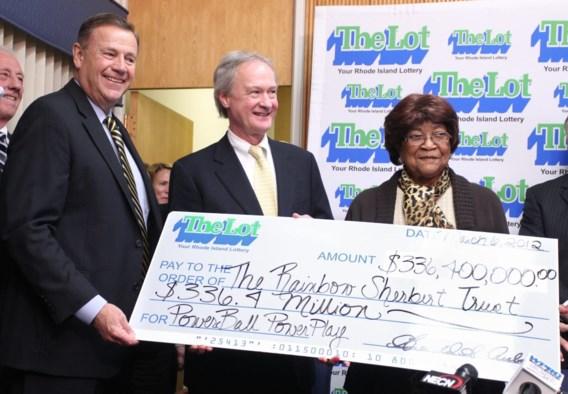 81-jarige vrouw wint meer dan 336 miljoen dollar