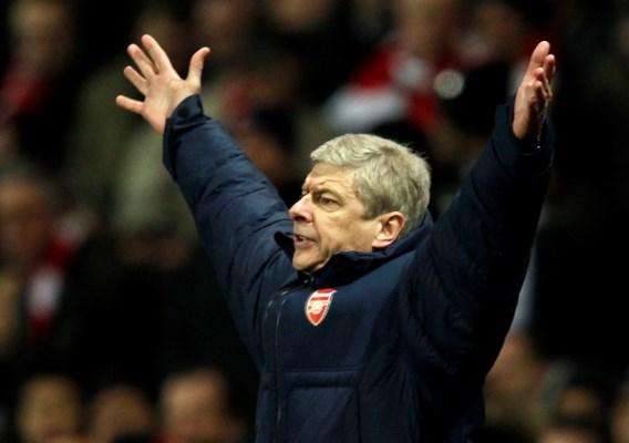 UEFA opent onderzoek naar uitlatingen Arsenal-coach Wenger