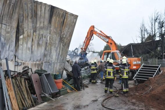 Watertekort en tankwagen in gracht bij brand in Merelbeke