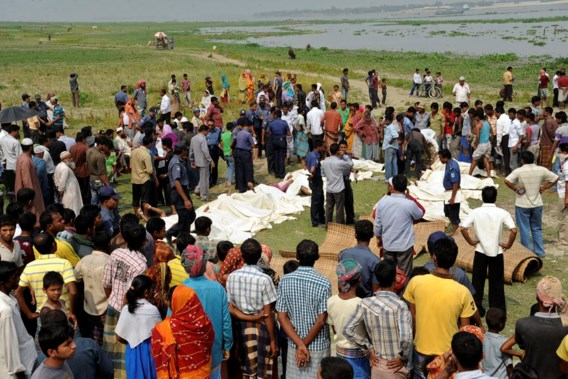 Dodental ferryramp in Bangladesh loopt op