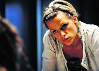 Veerle Baetens als Hannah Maes in het bekroonde 'Code 37'.vtm