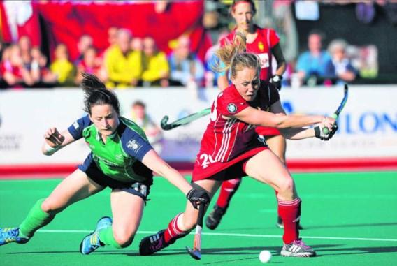 Jill Boon (r.) houdt Audrey O'Flynn af. De Ierse bracht even terug spanning in de wedstrijd, maar dat duurde maar een minuut.Nico Vereecken/photo news