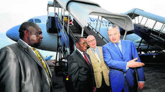 Reynders pleit voor 'echte politieke dialoog' met Kinshasa