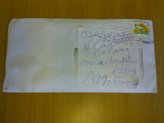 Vlaams Belang ontvangt envelop met verdacht wit poeder