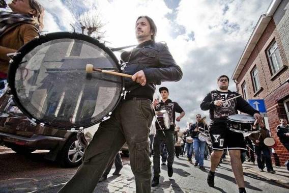 350 drummers boos op Schauvliege