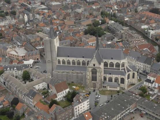 Menselijke beenderen op Onze-Lieve-Vrouwekerkhof Mechelen