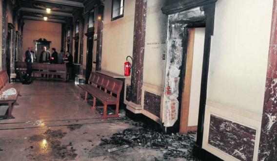De aanslag van vorig jaar veroorzaakte veel schade in het gebouw, maar vooral de veiligheid van het personeel werd in vraag gesteld.Patrick Holderbeke