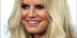 Jessica Simpson vraagt fortuin voor babyfoto's