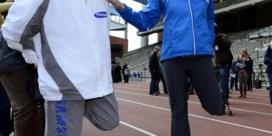 FOTOSPECIAL. Belgische olympische fakkeldragers warmen op met Kim Gevaert