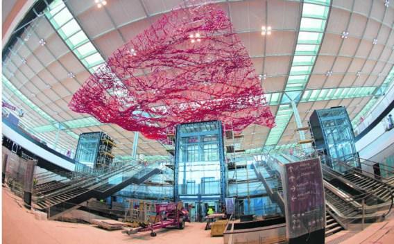 De terminal van de nieuwe luchthaven Berlijn Brandenburg ziet er indrukwekkend uit, maar de veiligheidsinstallaties bleken nog niet in orde. Patrcik Pleul/imageglobe