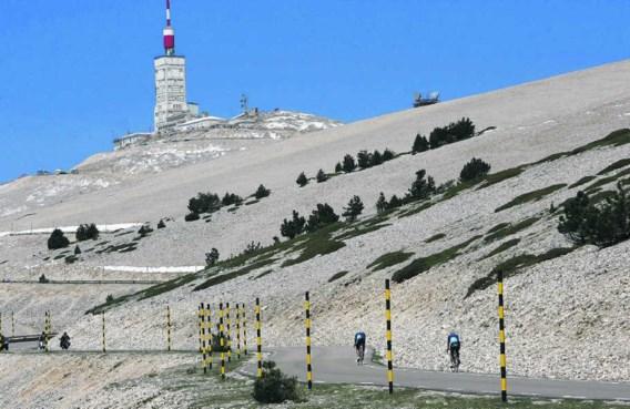 'Elk jaar sterven er twee tot drie mensen op de Mont Ventoux, terwijl ze op de fiets proberen de berg te beklimmen', zegt Patrick Chavada, brandweerman in Bédoin.Philippe Laurenson/photo news