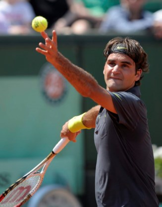 Roger Federer met sprekend gemak naar tweede ronde Roland Garros