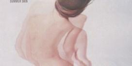 Beluister 'Summer Skin', de nieuwe EP van Oscar and The Wolf