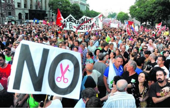 De voorbije dagen lieten veel Spanjaarden hun ongenoegen blijken over de besparingsmaatregelen van de regering.