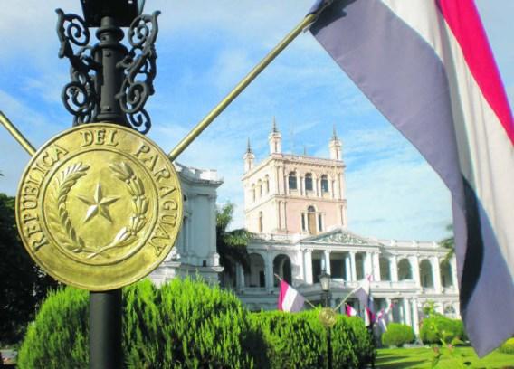 Paraguay is pas sinds 1989 een democratie. Tot 1989 leed het land onder de 35-jarige dictatuur van Alfredo Stroessner, die diepe wonden heeft geslagen.