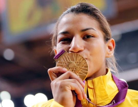 Sarah Menezes, zwart beest van Van Snick, wint goud in -48kg