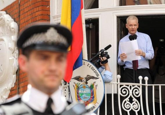 Assange spreekt: 'Stop de heksenjacht'
