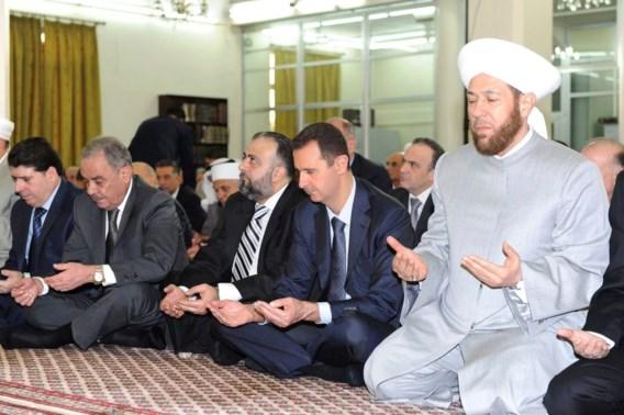 Assad verschijnt in openbaar