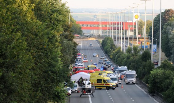Eén dode na busongeval met Duitse jongeren