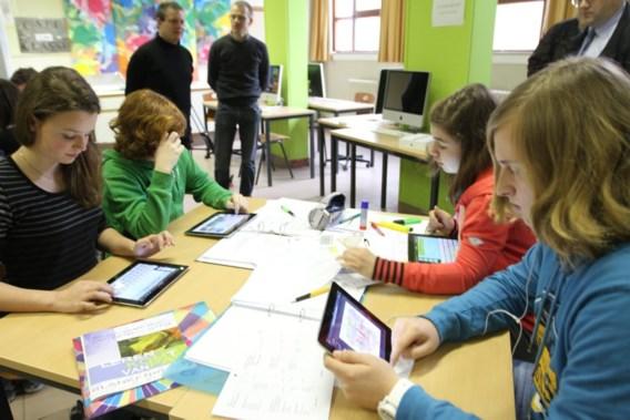 School zet door: elk kind moet een iPad hebben