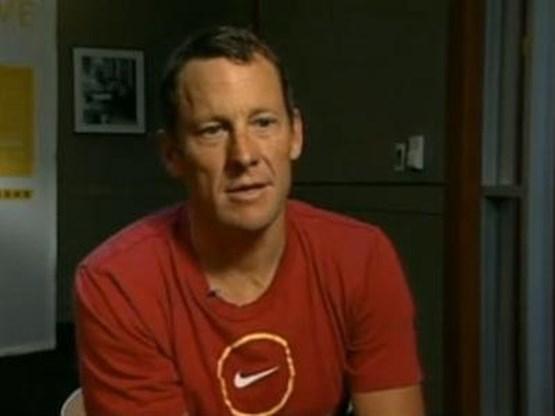 Nike blijft Armstrong steunen