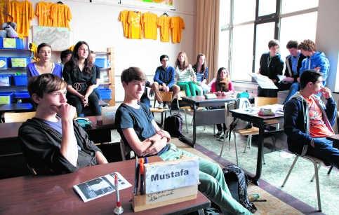 Allochtone studenten van het Xaveriuscollege kiezen voor Latijn als emancipatiemiddel.