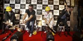 Stukgeslagen gitaren openen Hard RockCafe