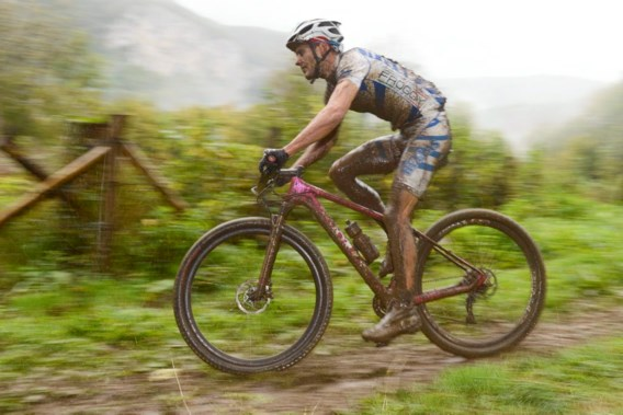 Griekse mountainbiker Ilias wint WK marathon, Van Hoovels 17e