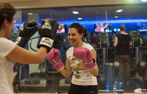 De les boksen is bijzonder populair in de fitnessclub voor vrouwen aan de Louizalaan.