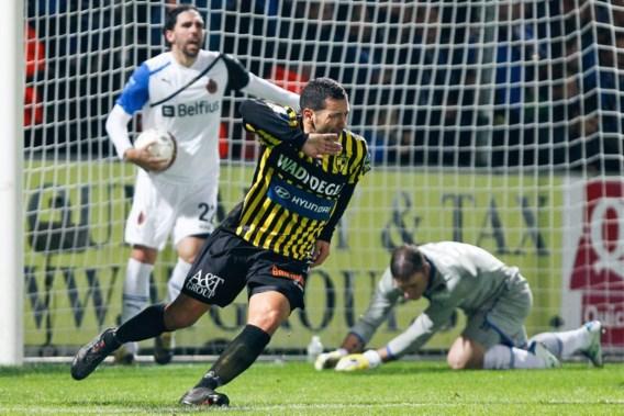 OVERZICHT. Lierse dompelt Club Brugge in crisis, Standard wint topper van Genk
