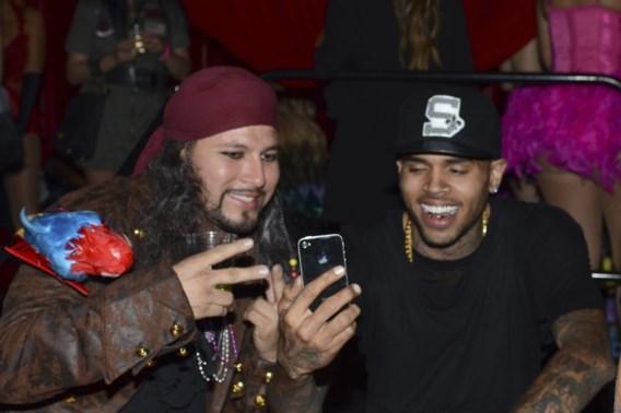 Chris Brown choqueert met Halloweenkostuum
