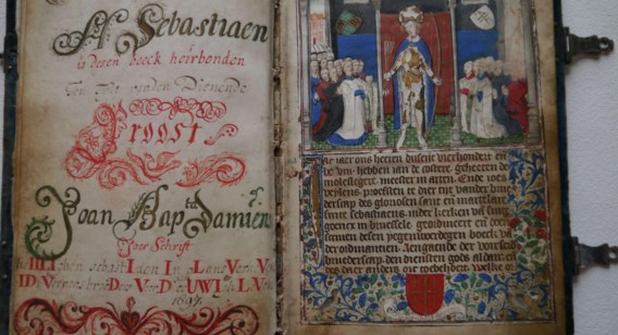 Het handschrift werd doorgegeven van hoofdman op hoofdman.